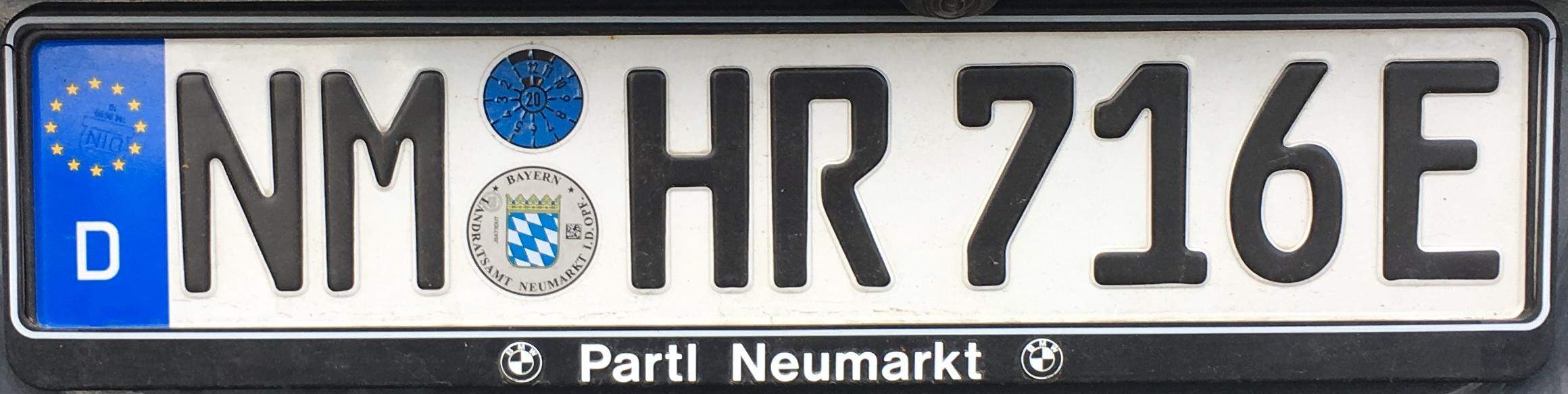 Registrační značky Německo - NM - Neumarkt in der Oberpfalz, elektrické vozidlo, foto: www.podalnici.cz